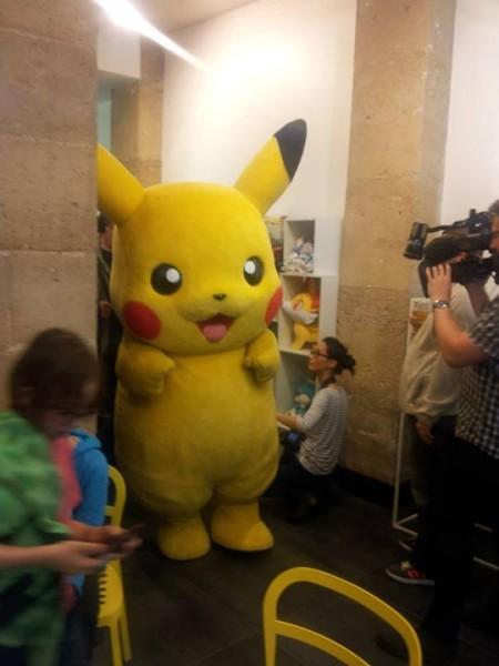 PokemonCenter - Pikachu