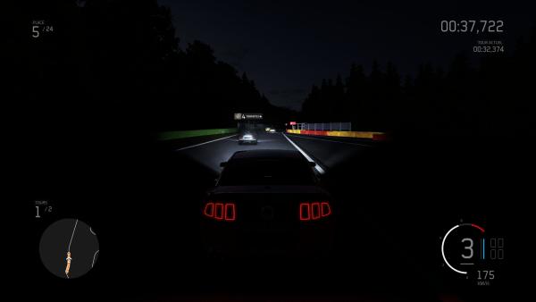 Dans la nuit, toutes les Mustang sont grises
